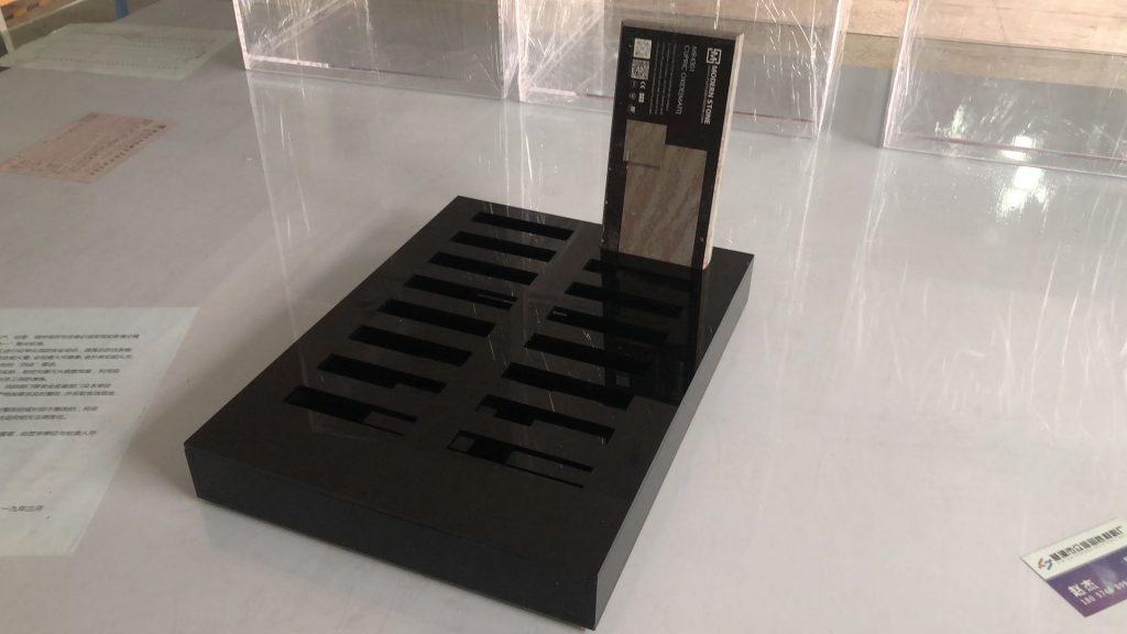 杰峰黑色有机玻璃定制卡槽